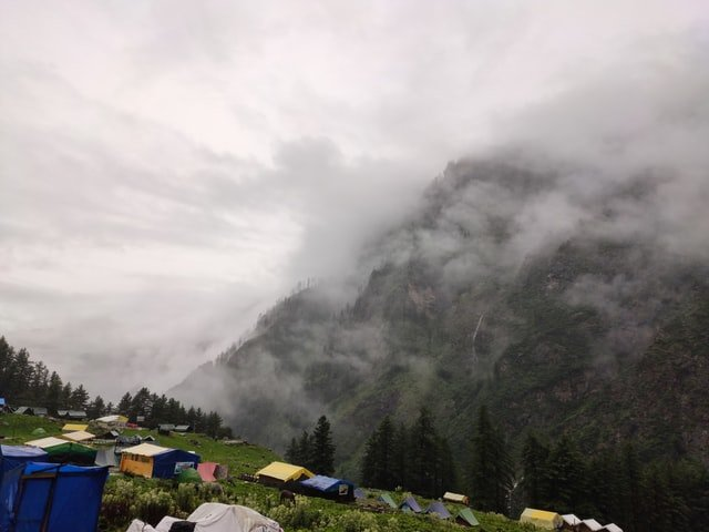 The Kheerganga trek