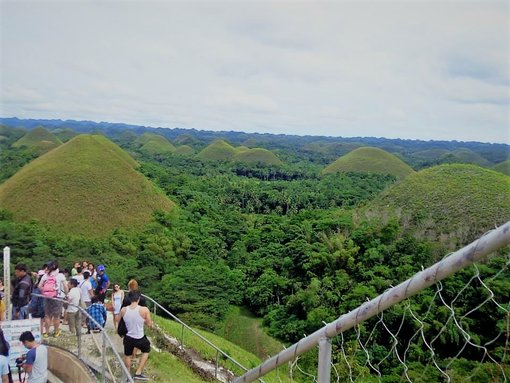 2 Must-See Attractions in Bohol, Philippines