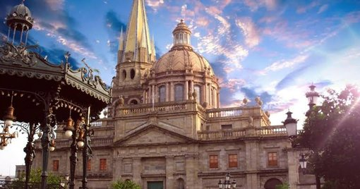 Guadalajara, the city of roses