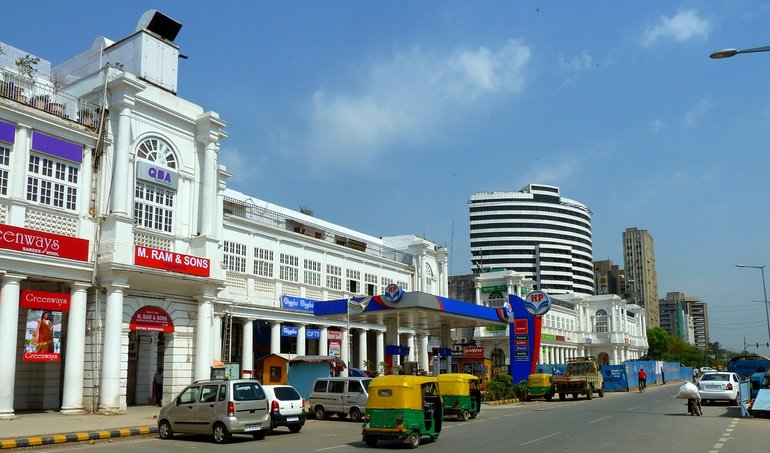 Connaught Place, located in the heart of Delhi is the perfect place to shop and dine