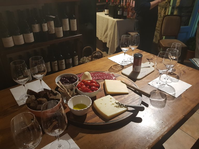 Wine tasting tour in Athens