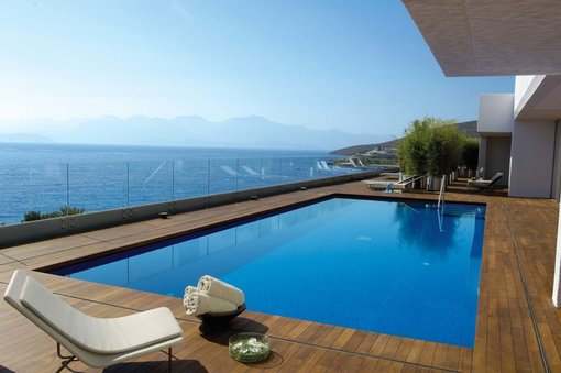Top 13 Luxury Hotels in Greece