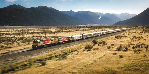 Explore New Zealand by Train: The 5 Most Beautiful Train Journeys