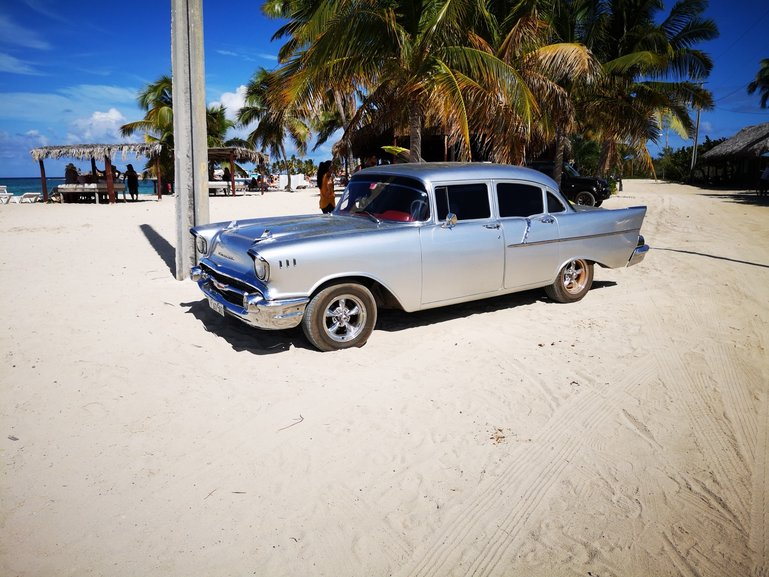 10 tips for renting a car in Cuba.
