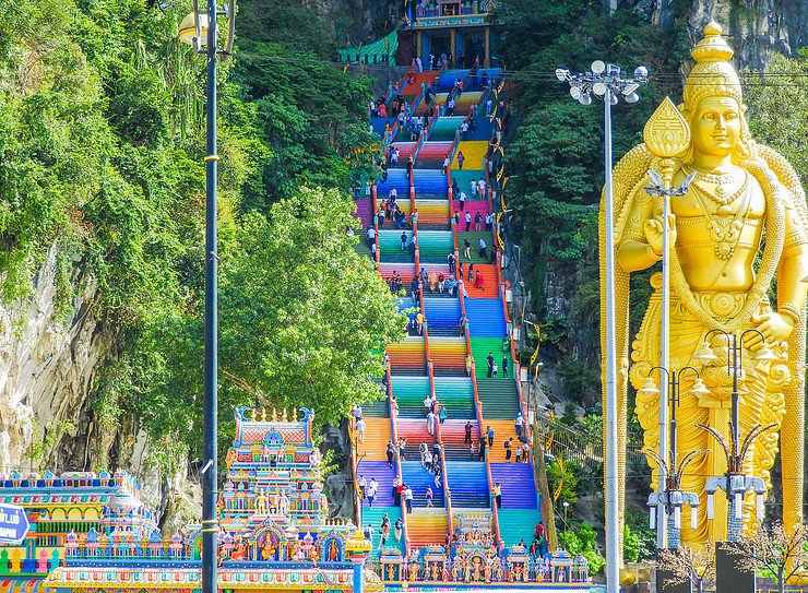 Entrance of the Batu Caves with its bright colors