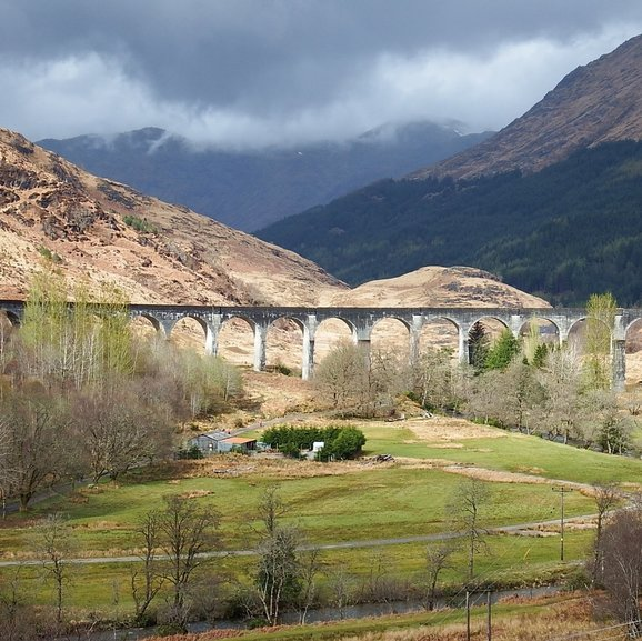 Glenfinnan Viaduct (Hogwarts Express Bridge)