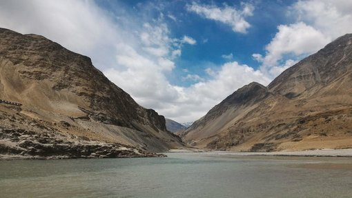 A Trip To The Confluence of the Indus and Zanskar Rivers
