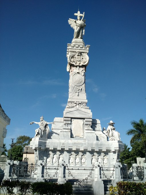 Mausoleum of the Firefighters and Sculptures: Colon Cemetery