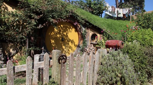 Exploring Hobbiton Movie Set