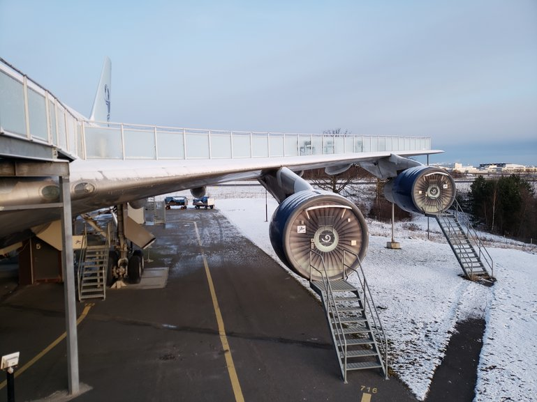 Jumbo Stay's wing walkway and engine rooms