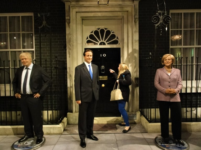 Madame Tussauds in London - come on, let me in!