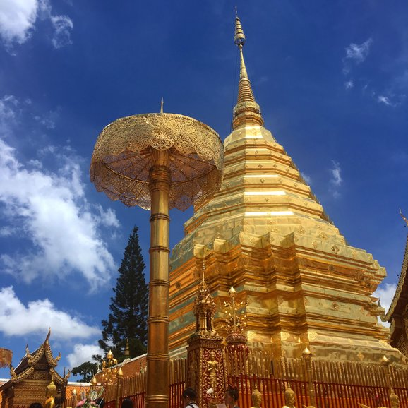 Doi Suthep, where you can participate in the daily Monk Chat