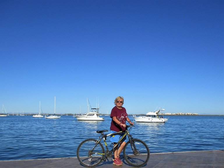 Cycling the Malecon
