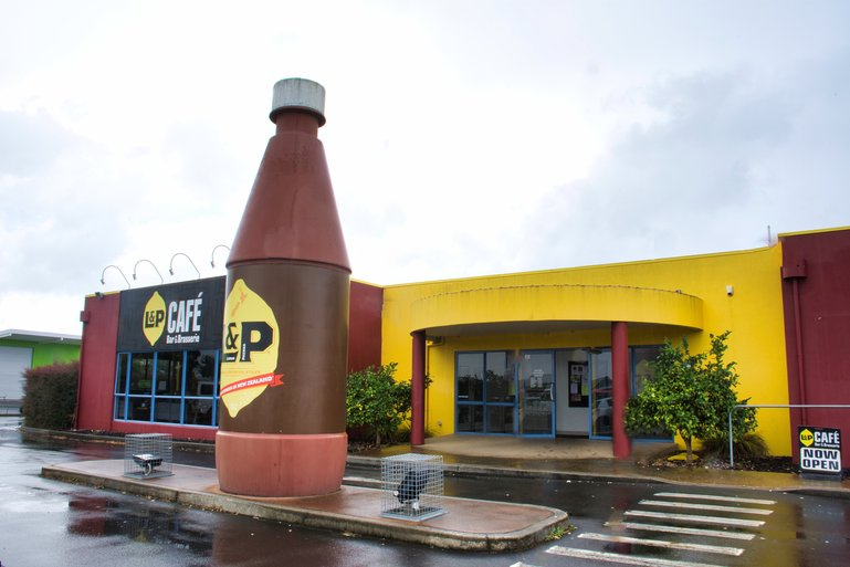 Paeroa is the home of the carbonated drink Lemon