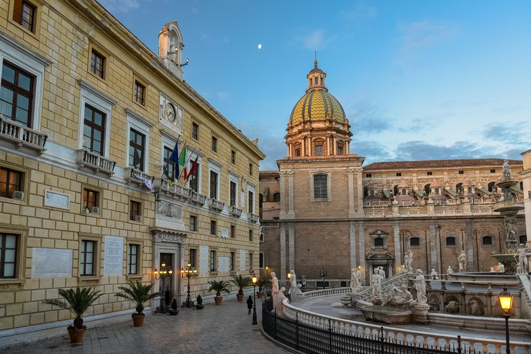 historic centre of Palermo photo courtesy of Jorge Franganillo
