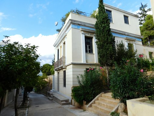 Mets: Discover Athens Most Charming Neighbourhood