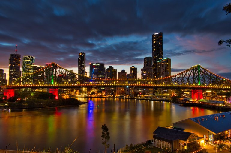 The sun goes down, and the lights come on in Brisbane