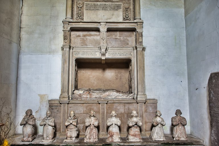 The effigies of Sir George Bruce and his family