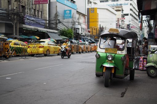 Tip: Avoid the Yellow Tuk Tuk Scam in Bangkok!