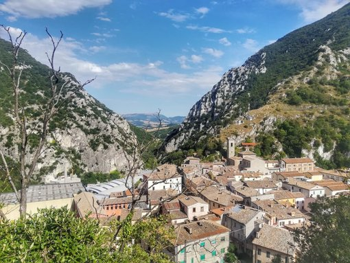 5 Less Known but Lovely Little Towns in Marche Region