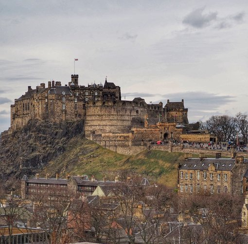 Where to Find the Best Views of Edinburgh Castle