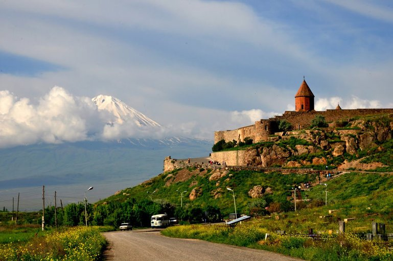 The breathtaking sight of Khor Virap and the biblical Ararat